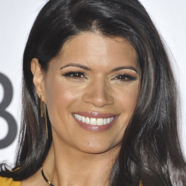 Andrea Navedo at arrivals for People's Choice Awards 2017 - Arrivals, Microsoft Theatre L.A. Live, Los Angeles, CA January 18, 2017. Photo By: Elizabeth Goodenough
